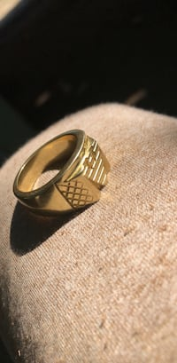 18k gold ring Kelowna