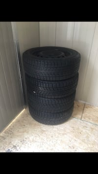 black auto wheel with tire set Mississauga, L5T