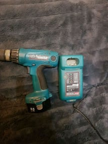 makita drill and charger