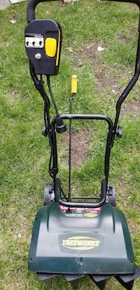 SNOWBLOWER ELECTRIC COMPACT NEW CONDITION