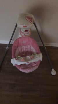 baby's pink and white cradle n swing Sacramento, 95826