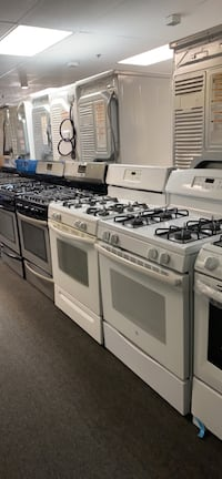Gas stoves excellent condition  Windsor Mill, 21133