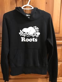 Navy blue teen med roots hoodie Mississauga, L5J 1W3