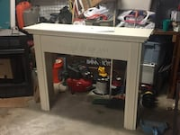 Fireplace mantle with base