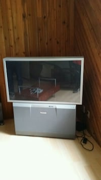 50 inch rear projection tv Kelowna, V1Y 7Y2