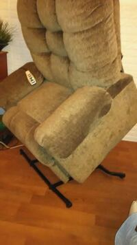 Lift Chair,Remote Control, Recliner, Extras...   South River