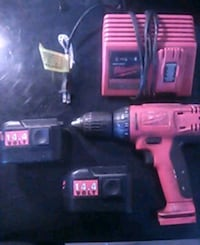Milwaukee drill, 2 batteries and charger Fresno, 93728