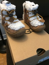 UGG kids boots. New in box Mississauga, L4Y 2N9