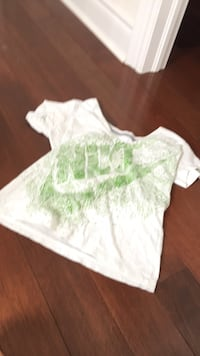 white and green floral crew-neck shirt Vaughan, L4J 9K9