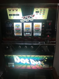 Slot Machine with Tokens Union, 07083