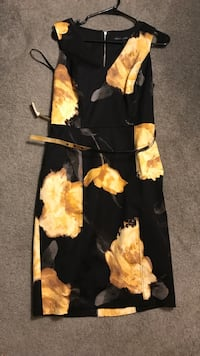 Black and yellow floral dress size 8 Dumfries, 22025