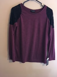 Women's maroon and black long sleeve shirt Greater Sudbury / Grand Sudbury, P3P 1L3