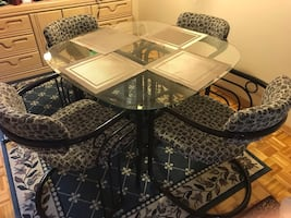 Reduced! Glass table and four chairs