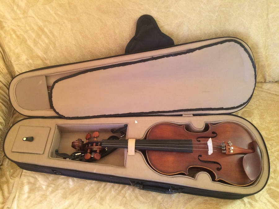 Perfect violin with full box - 85 000 Ft