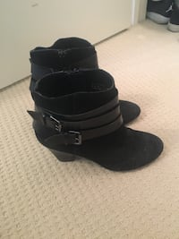 Pair of black leather suede booties Size 7