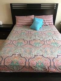 5 pc Bed set with dresser  Lorton