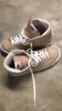 pair of white-and-brown Nike sneakers Florissant, 63033