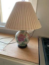 white and green floral table lamp Pittsburg, 94565