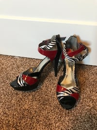 9.5 Guess ladies heels new Edmonton, T6V 0G1