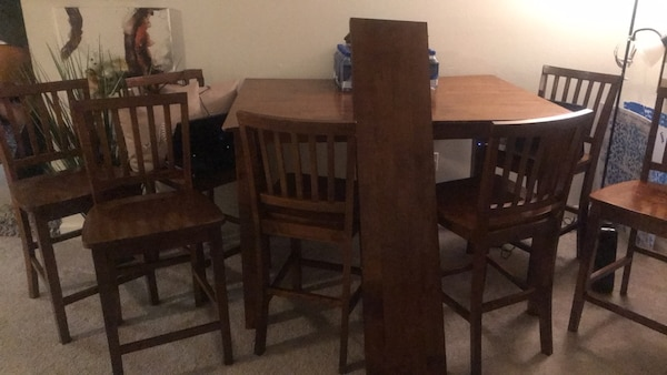 bd5ed99efb549 Gebrauchte   MOVING...MUST SELL   Large Wood Dining room w  8 Chairs ...