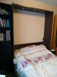 Murphy wall-bed with double mattress