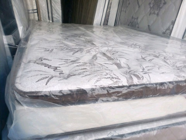 New queen mattress+ box spring delivery 30 to 50 depends how far e9a06a0a-6d9e-41b9-bf6f-f026d59cb73f