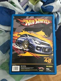 Hot wheels case & cars