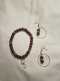 pair of silver hook earrings and bracelet set Cleveland, 44119