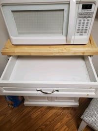 Microwave stand- needs  re painted
