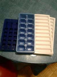 Ice maker trays