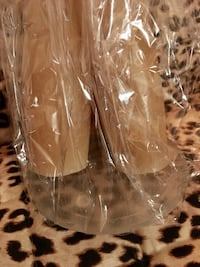 Gift pack of 3 tall beeswax candles and frosted glass plate