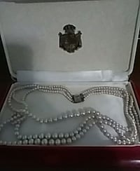 Deltah 3 strand simulated pearls Pittsburgh, 15243
