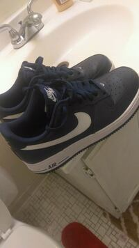 pair of black Nike low-top sneakers Gaithersburg, 20878