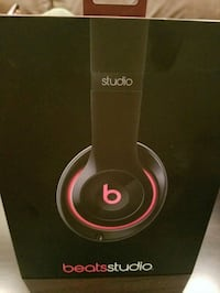 Beats studio noise canceling head phones
