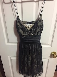 Size large  St Catharines, L2T 1K5