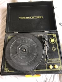 Third Man Record Turntable null