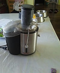 stainless steel and black juicer Catharpin, 20143