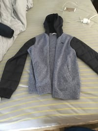 Gray and black zip-up hoodie/ jacket by Abercrombie size 15/16 Montréal, H4V 1V6
