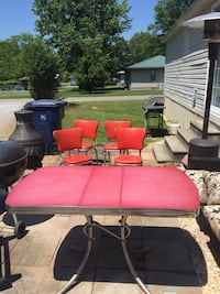 Set of four chairs and rectangular table Gadsden, 35901