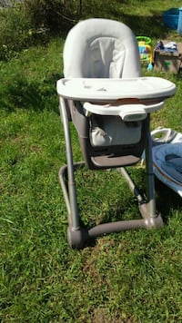baby's black and white high chair Martinsburg, 25405