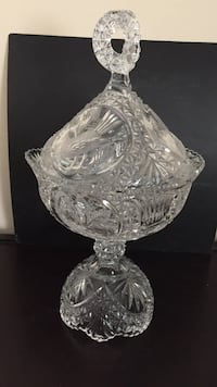 Clear cut glass footed bowl Chatsworth, 91311