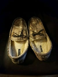 Real tree house shoes  Cookeville, 38501