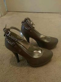 Size 7 woman's heels shoes Odenton, 21113