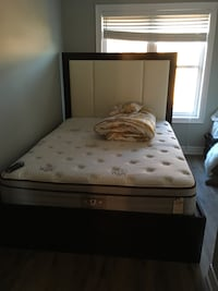 white and black bed mattress Vaughan, L4L 0H1
