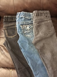 3 pairs of girls size 7 jeans