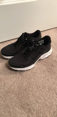 pair of black-and-white Nike running shoes Dunn Loring, 22027