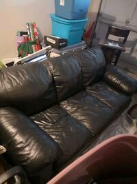 black leather couch  Innisfil, L9S 1X5