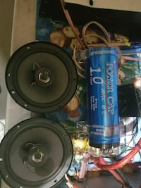 capacitor with 2 rear Pyle pro car speakers Markham, L6B 0C7
