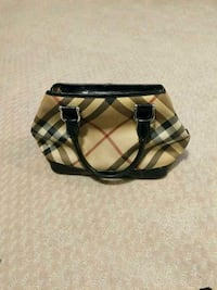REDUCED-Authentic Burberry Tote Calgary, T3J 0H5