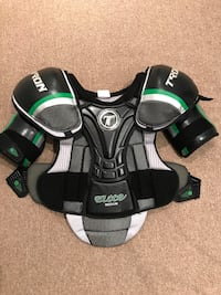 black, gray and green shoulder pad Hampstead, H3X 3G9